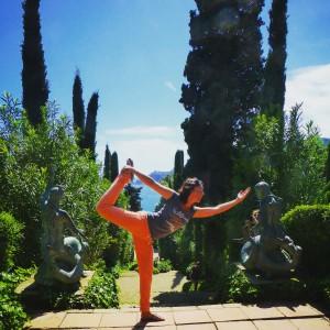 Active, Yoga