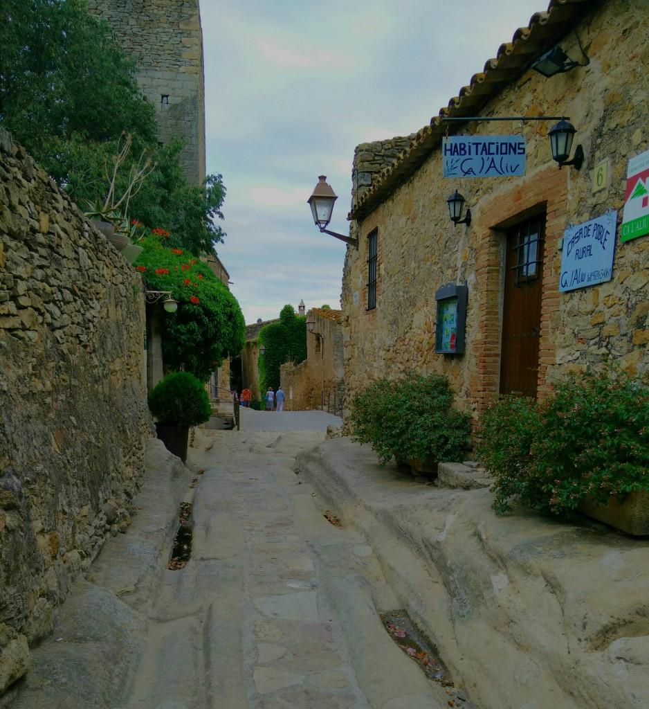 Peratallada uitgekerfde straat, Cultuur en Historie