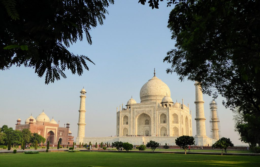 Zonsopgang bij de Taj Mahal