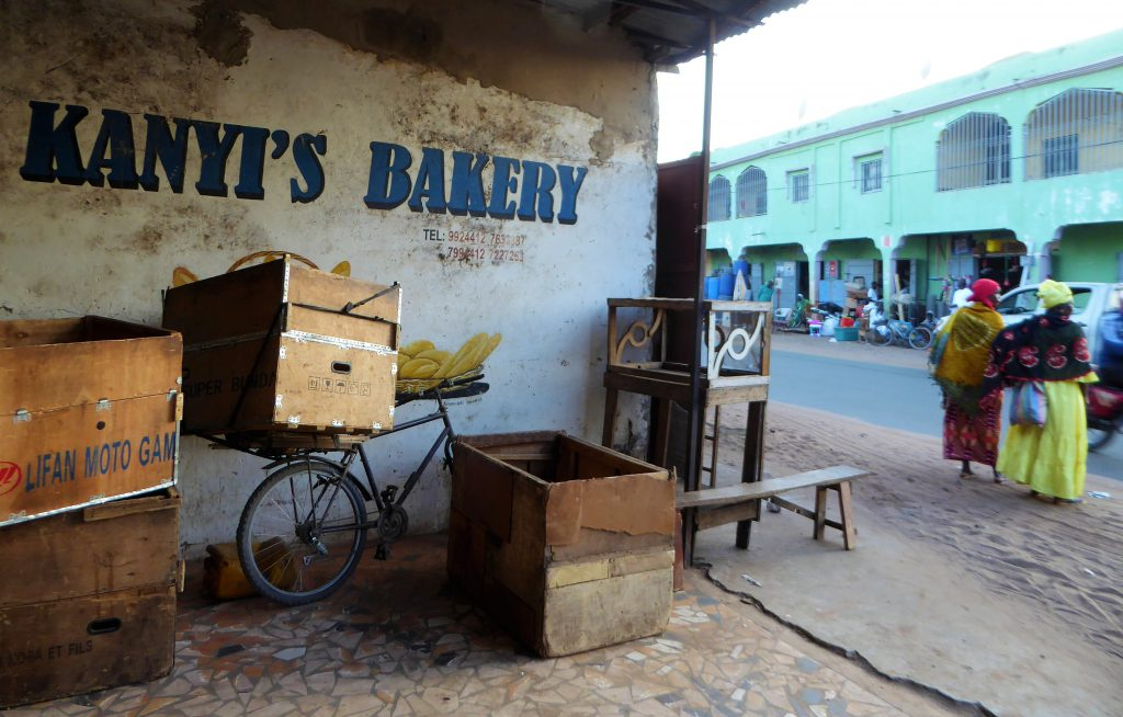 Eten bij de lokale bevolking - Bakoteh, The Gambia