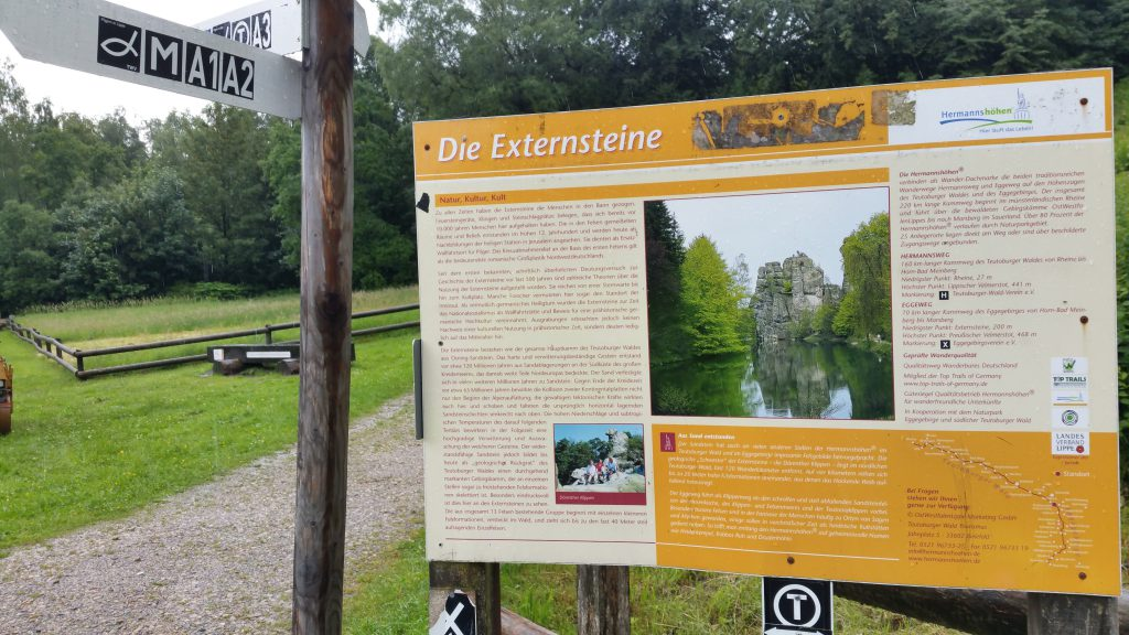 De Externsteine in het Teutoburgerwald - Horn-Bad Meinberg
