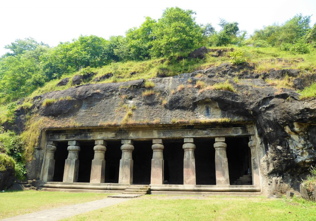 The Complete Travelguide for Mumbai - Indiaa (Elephanta Island)
