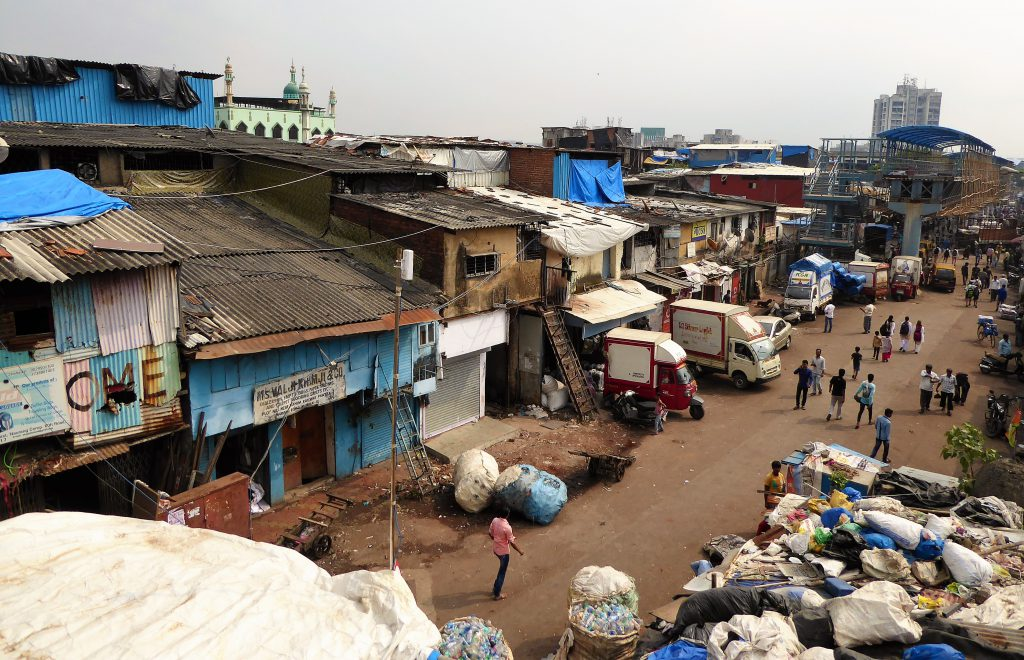 The Complete Travelguide for Mumbai - India (Dharavi Slum)