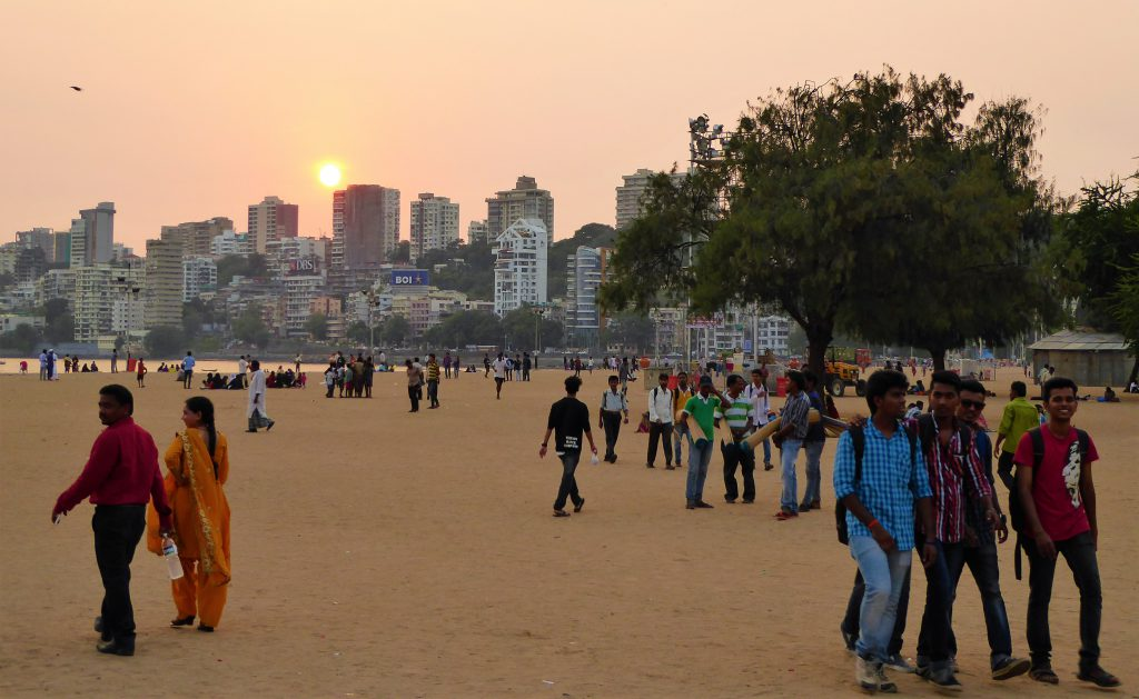 The Complete Travelguide for Mumbai - India (Chowpatti)