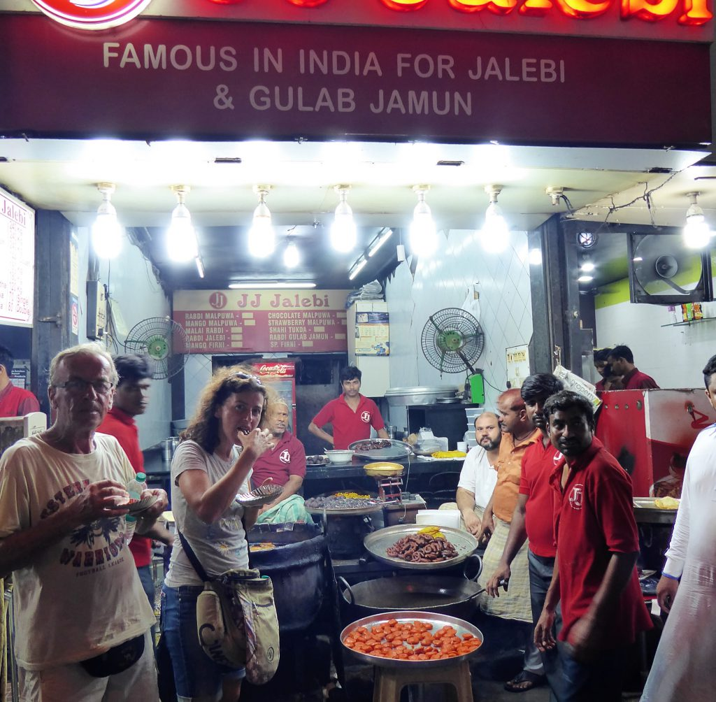The Complete Travelguide for Mumbai - India (streetfood)